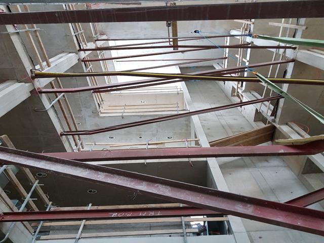 Kunstiakadeemia käsitsi monteeritav trepp